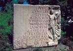Alte Römertafel auf dem Architekturrundweg