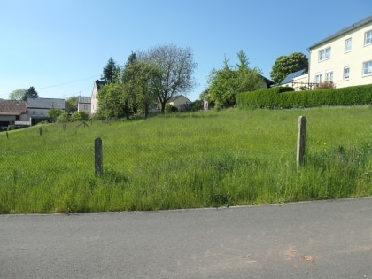 Baugrundstück, ruhige Ortslage, voll erschlossen!