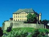 Blauer Himmel über Schloss Malberg