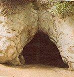 Kakushöhle und Abschnittswall