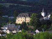 Schlosshotel Kurfürstliches Amtshaus  Dauner Burg, Auf dem Burgberg <br />